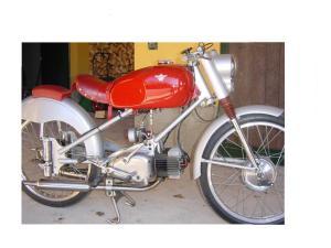 でも機能美というか美しいバイクです。