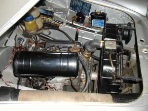 面白いでしょ エンジンの小ささには目を見張ります。