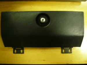 2000GTV グローブボックスの蓋