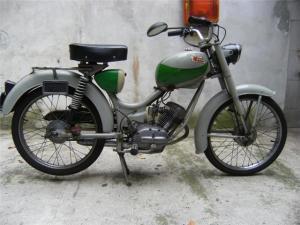買い物バイクでも 使えるがこのエンジンが なかなか走るんです。