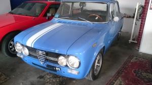 なぜかイタリア人はブルー好きです。