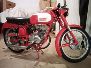 小さいけど とても人気のあるバイクです。