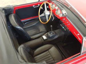 イタリアでも 超レア車