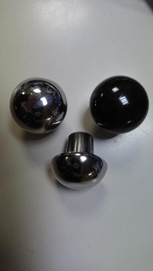 黒は樹脂製純正タイプです。