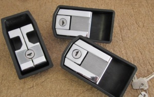 bertone  door handles  set